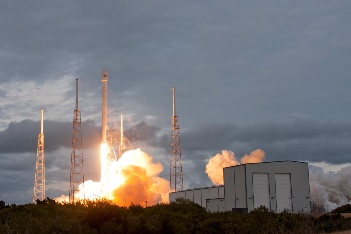 THAICOM 6 Falcon 9 GEO Transfer Mission Launch Behind Hangar