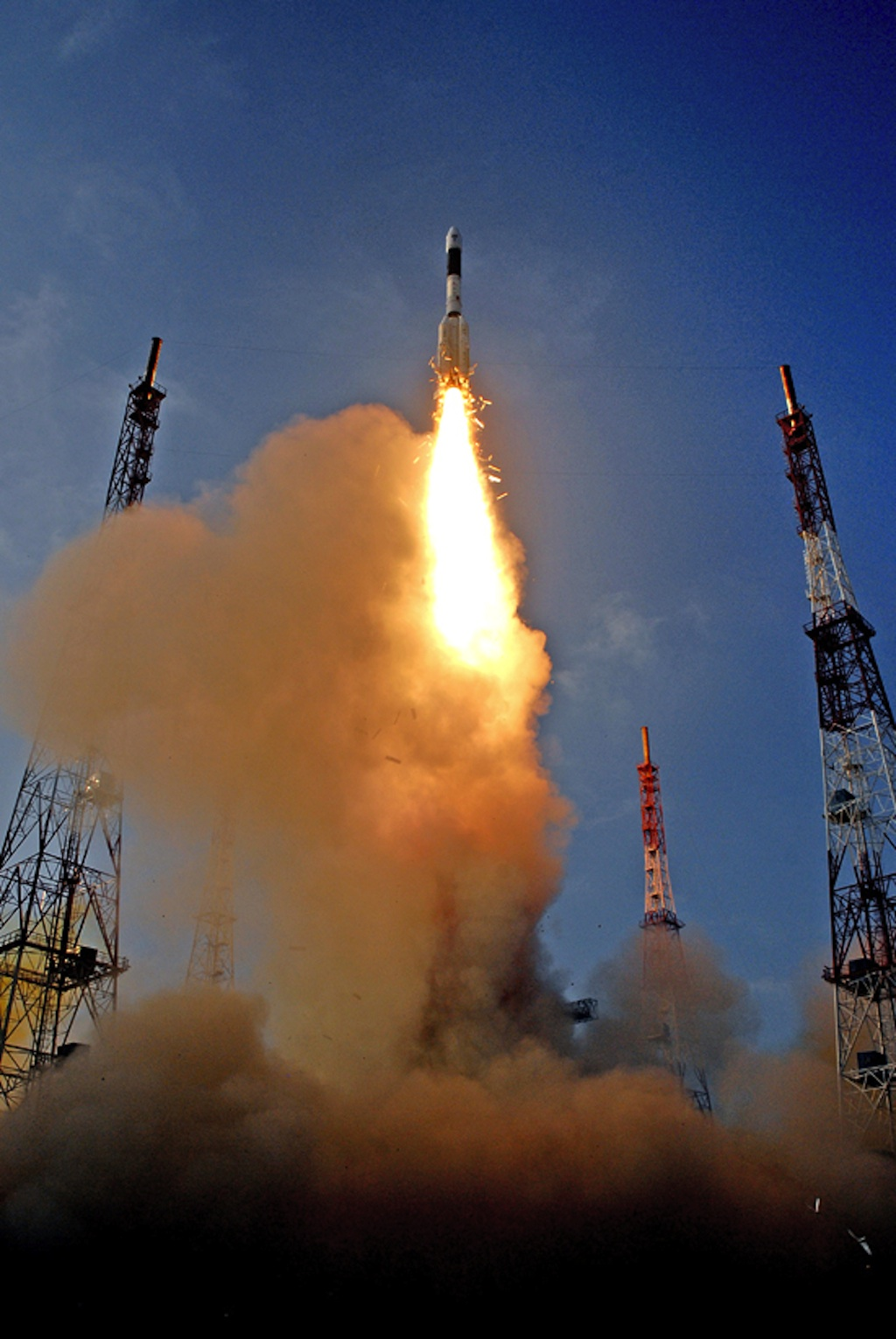 India's GSLV-D5 Rocket Lifts Off with GSAT-14