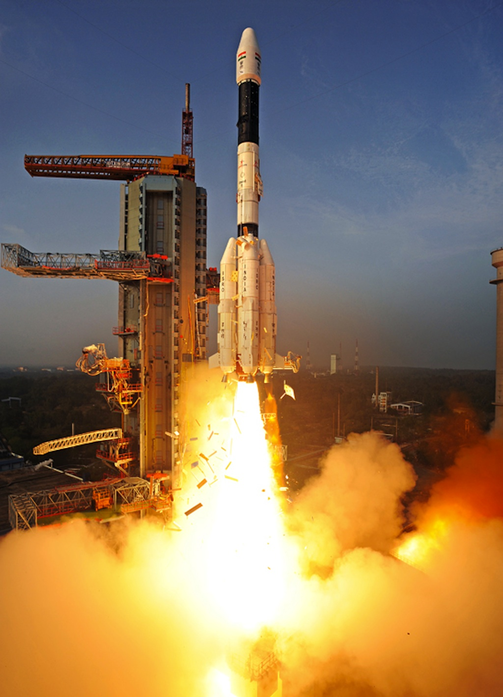 India's GSLV-D5 Rocket Blasts Off