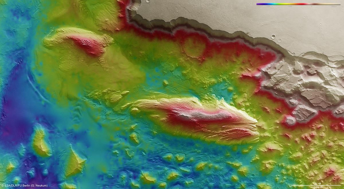 Juventae Chasma Topography on Mars