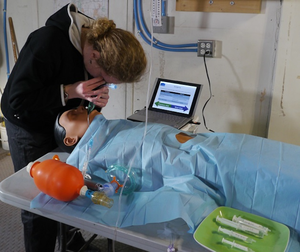 Elizabeth Howell Participates in Mock Anesthesia Procedure