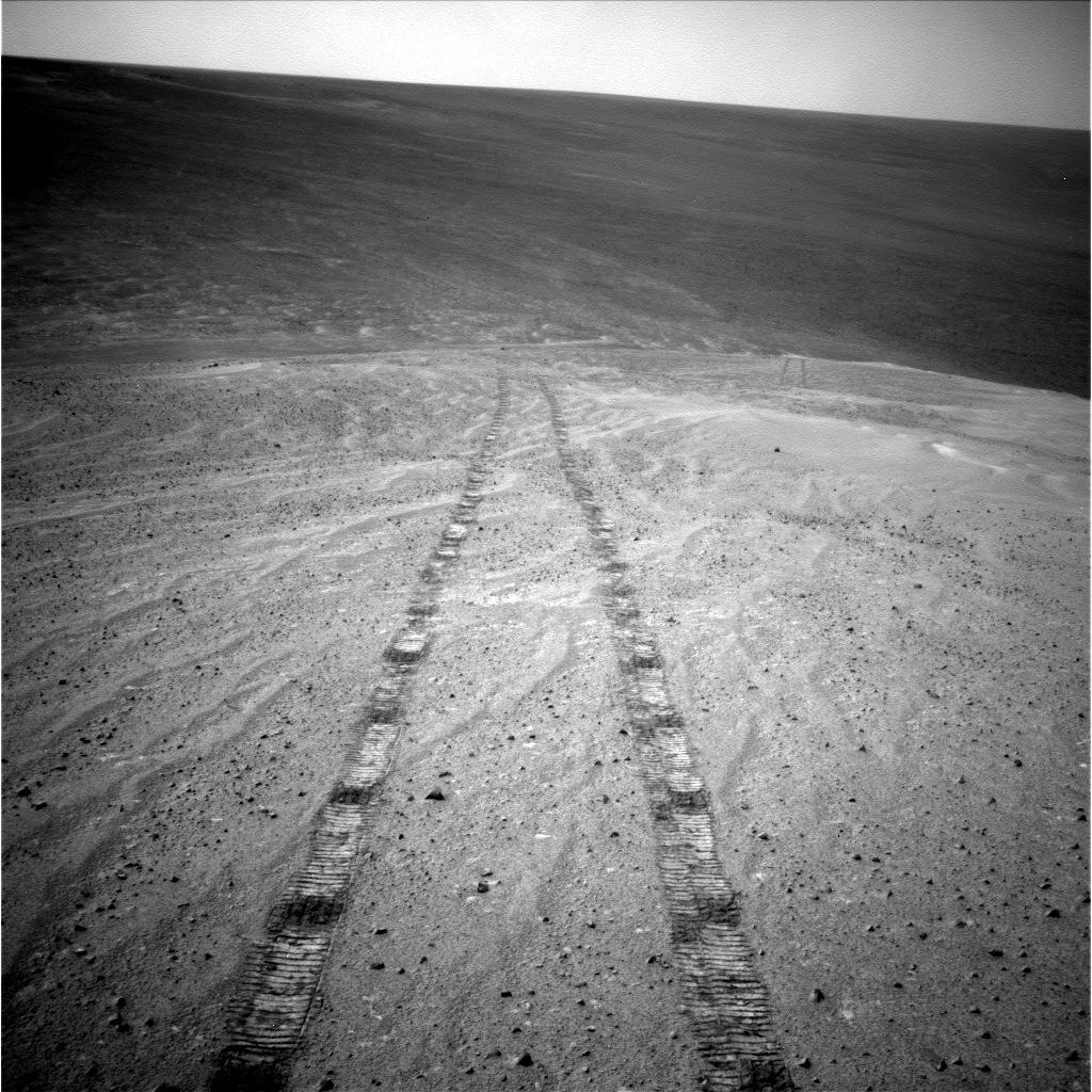 Tracks of a Climb on Opportunity's Sol 3485