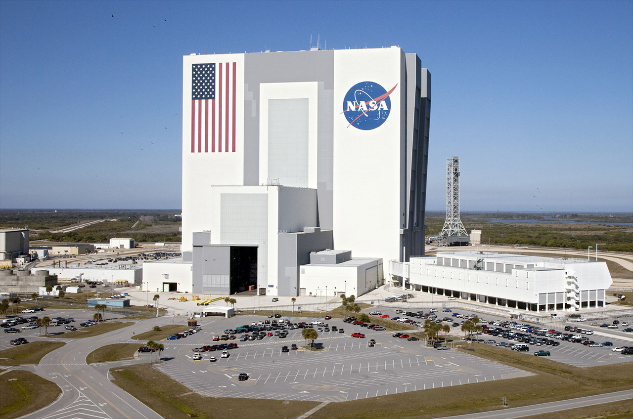 Rocket Renovations Will End Public Tours of NASA's Vehicle ...