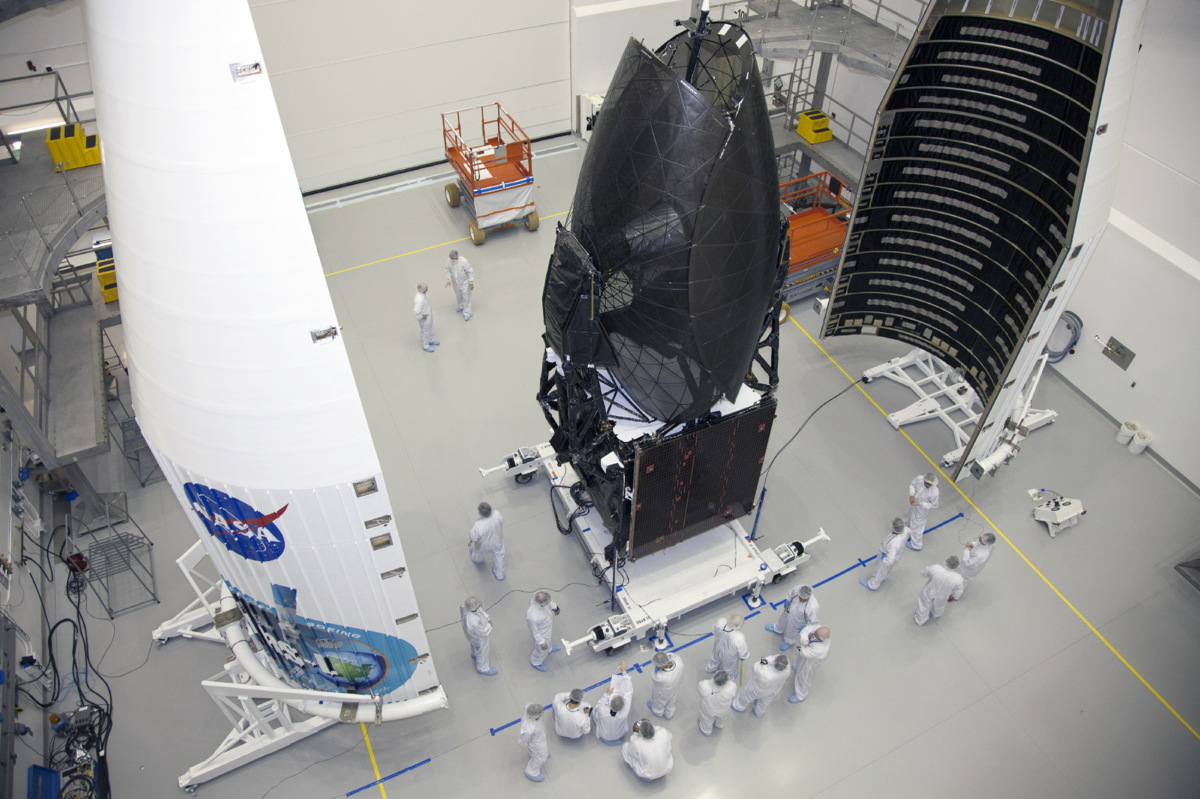 TDRS-L Enclosed in Payload Fairing