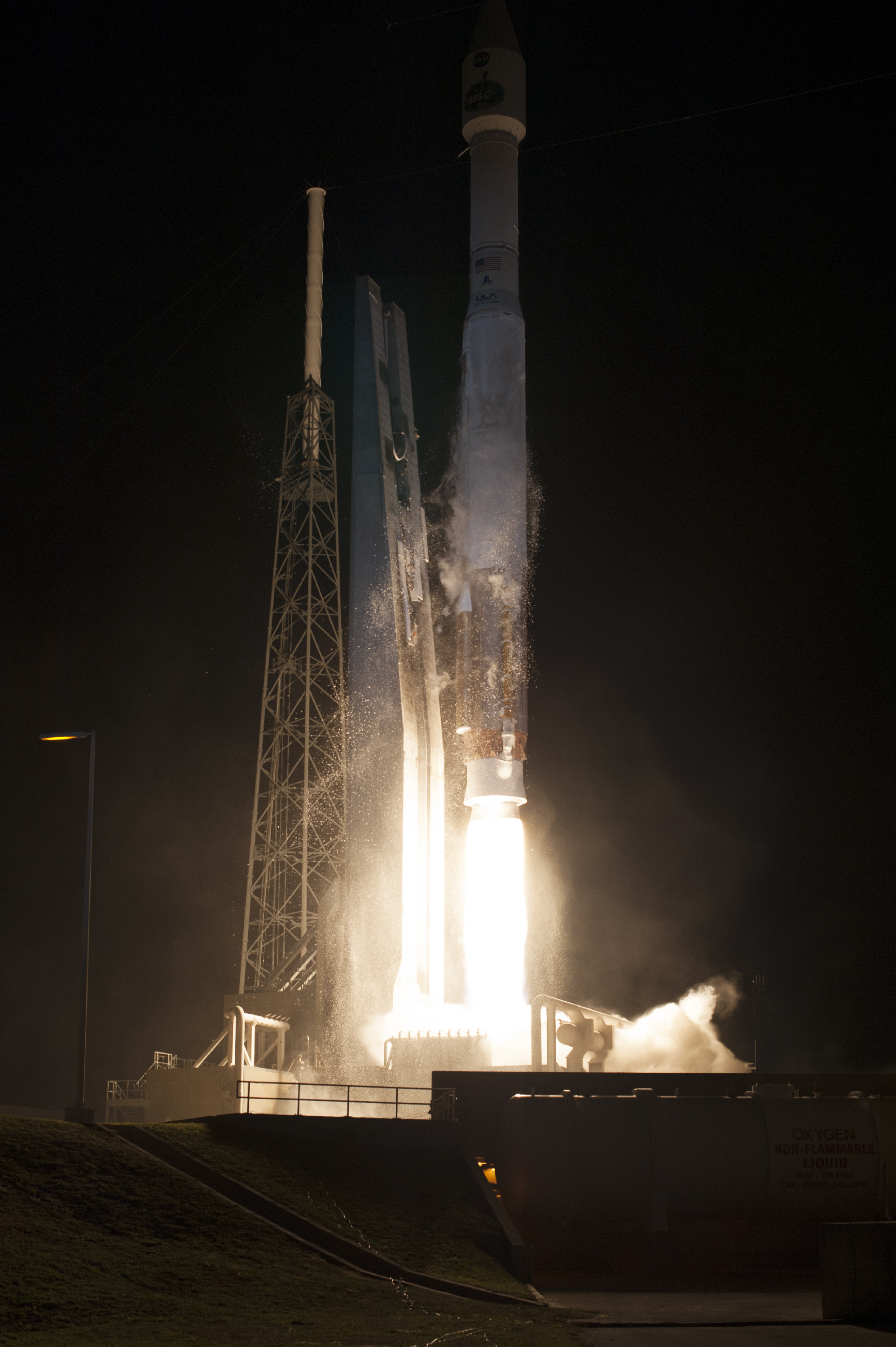 Atlas V Launches with TDRS-L