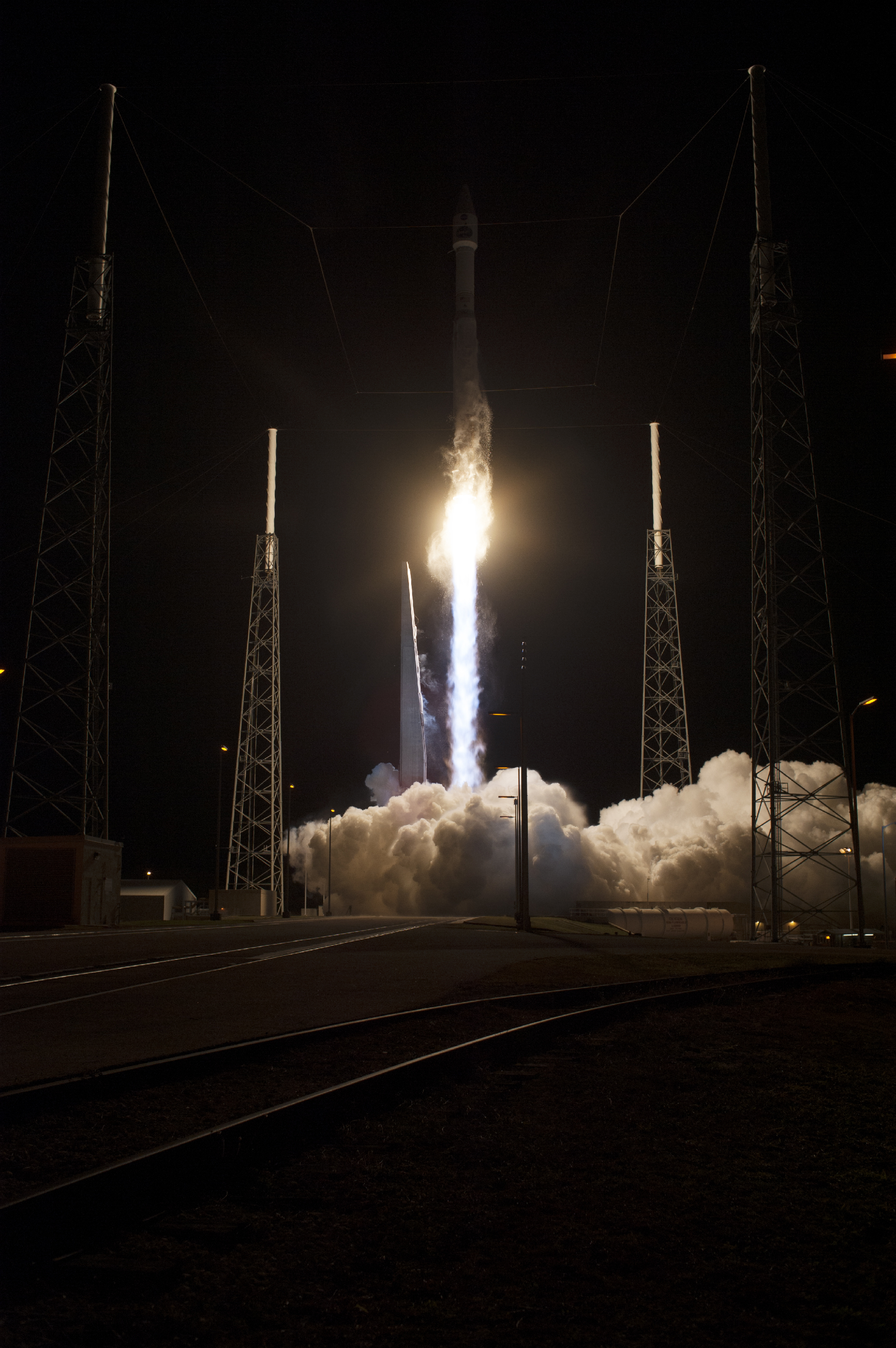 Atlas V Takes Off with TDRS-L