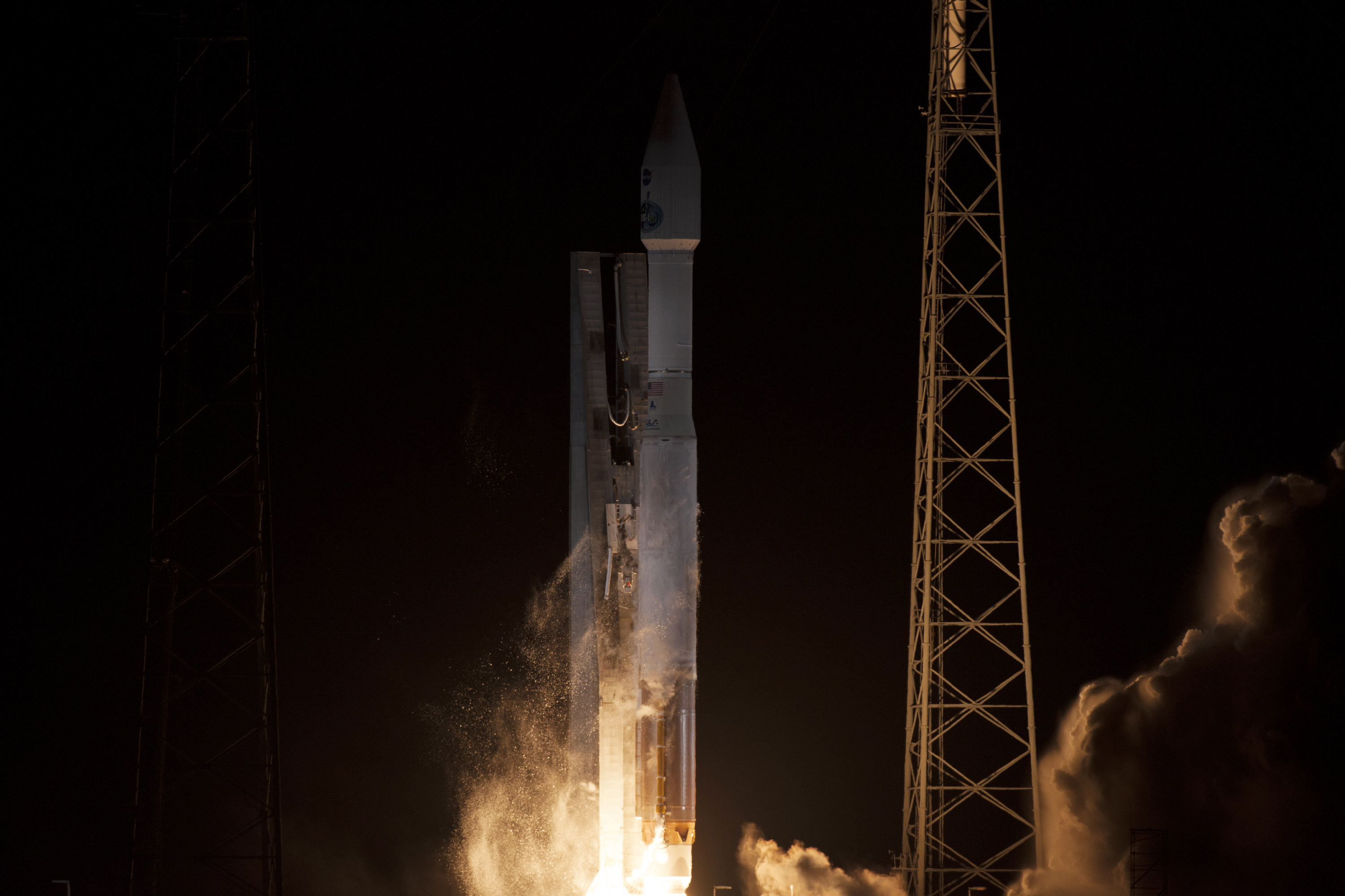 Atlas V Rocket Lifts Off with NASA Satellite