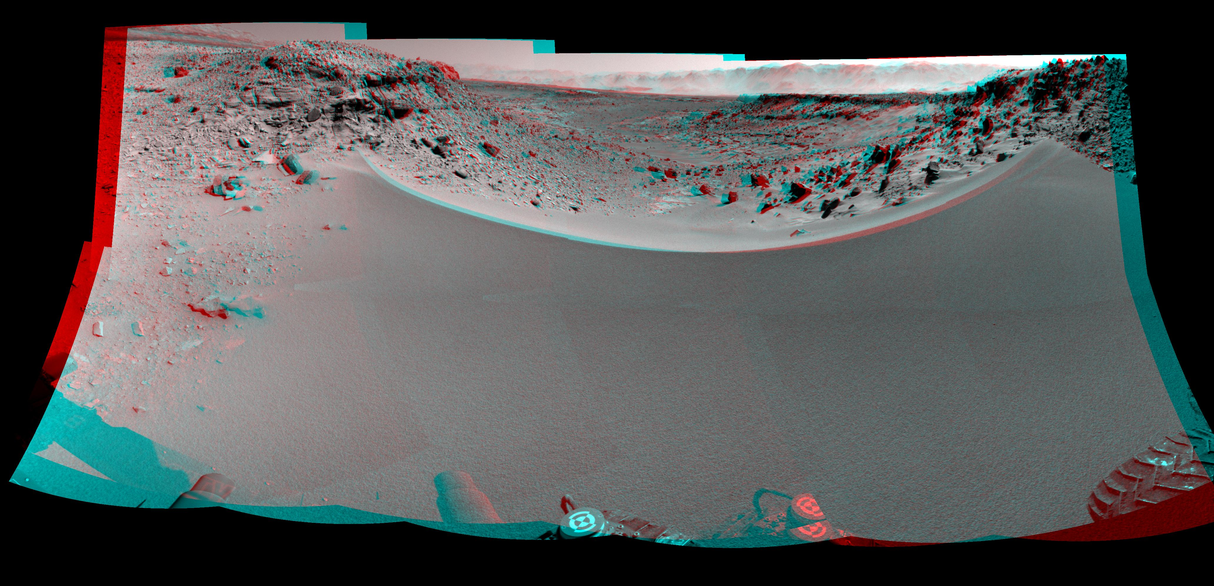 Curiosity Rover at Dingo Gap (3D)
