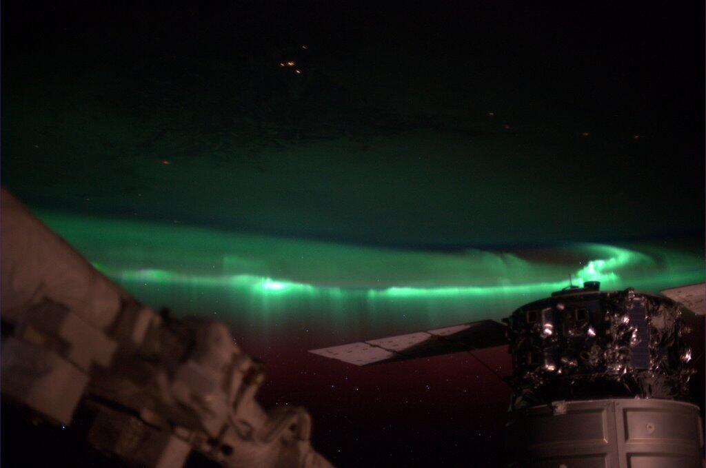 Hopkins' View of an Auroral Display