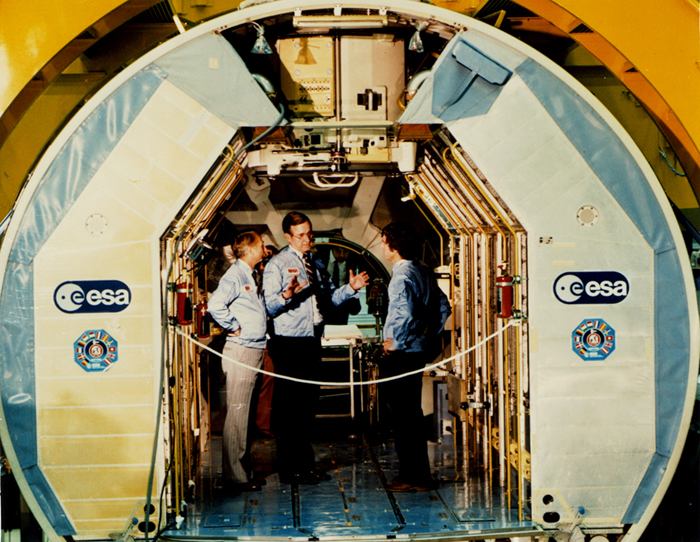 Space History Photo: Vice President Bush with Spacelab Astronauts