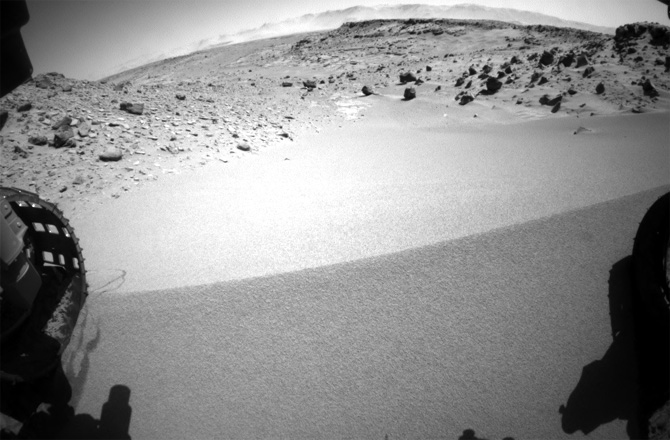The Moment When Curiosity Breached a Mars Dune