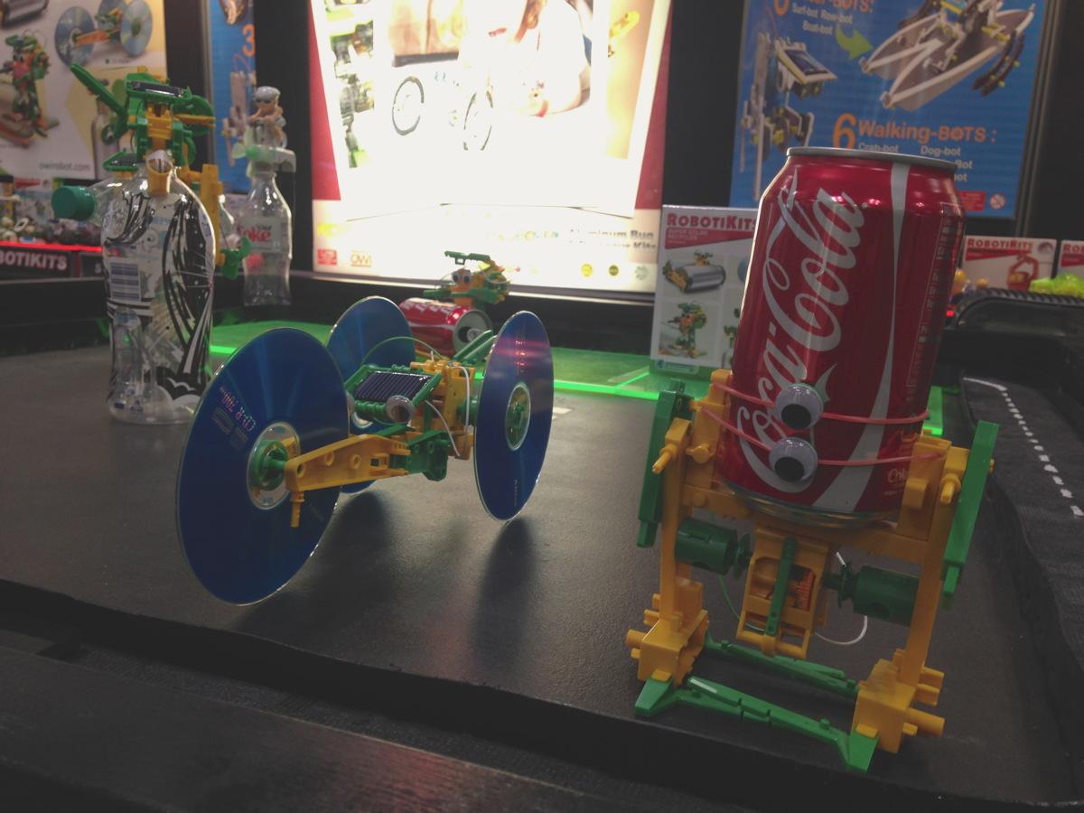 RobotiKit: Super Solar Recycler
