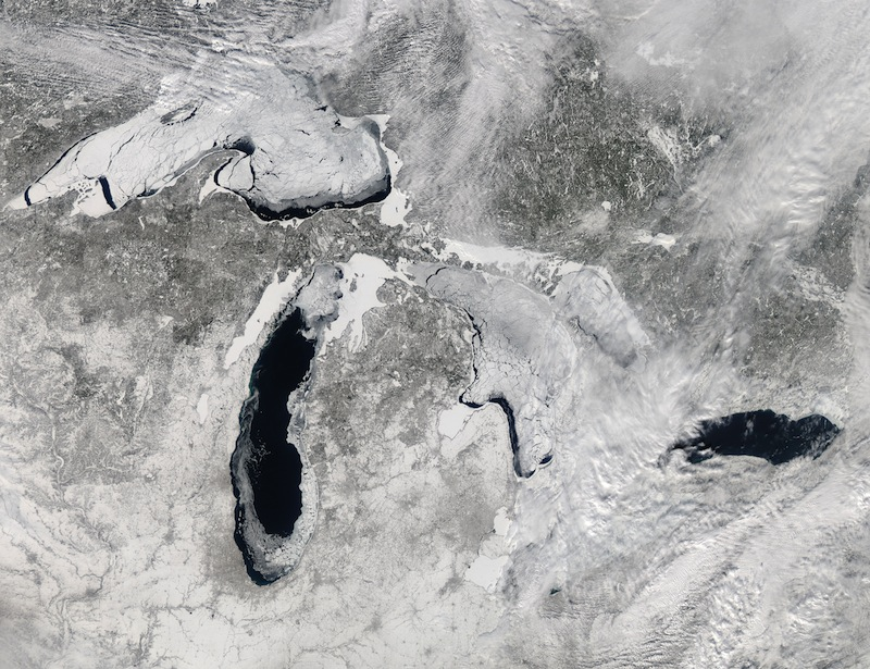 Stunning Ice-Covered Great Lakes Seen from Space (Photo)