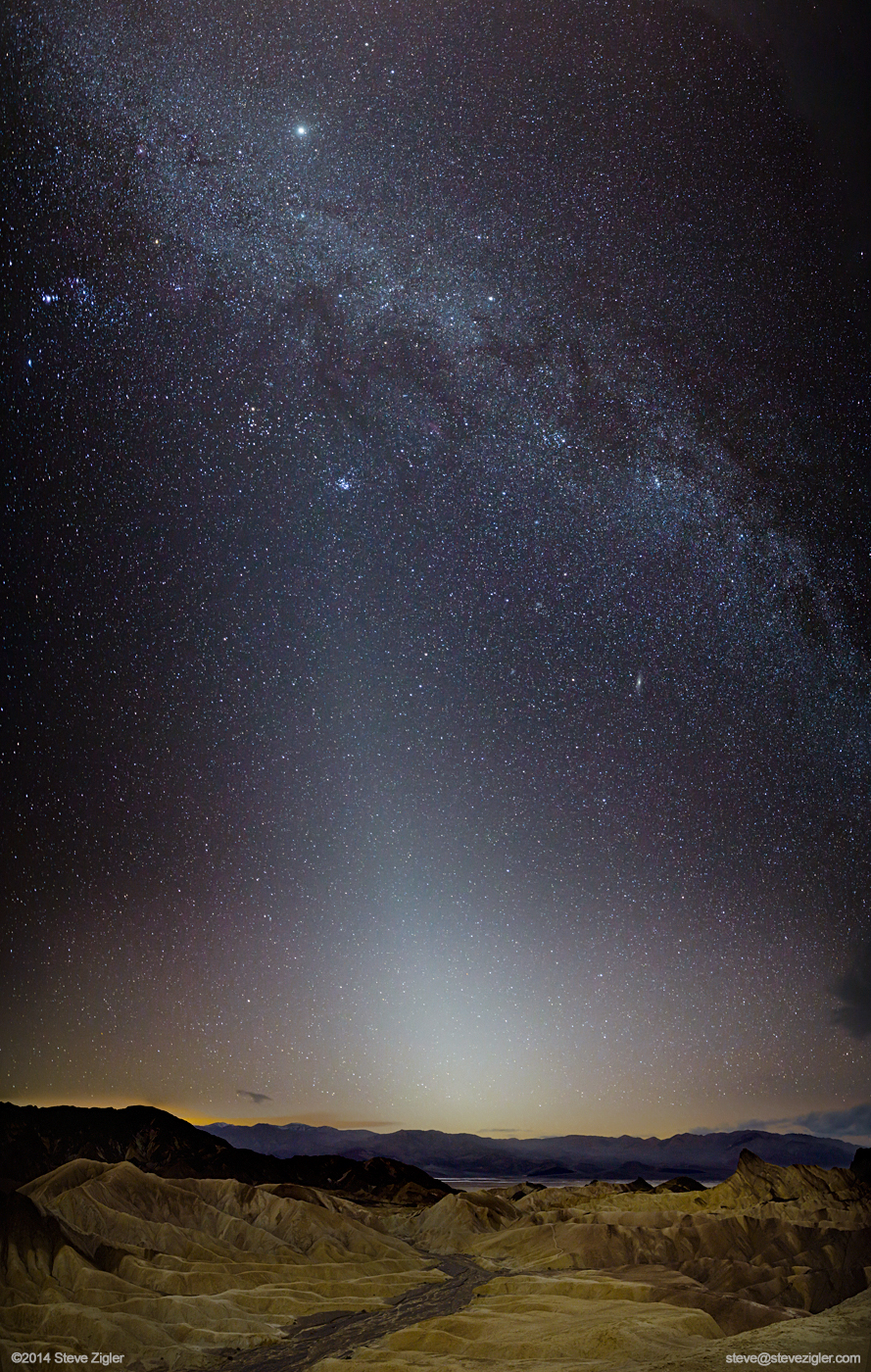 Ghostly Zodiacal Light Glows Over Death Valley (Photo)