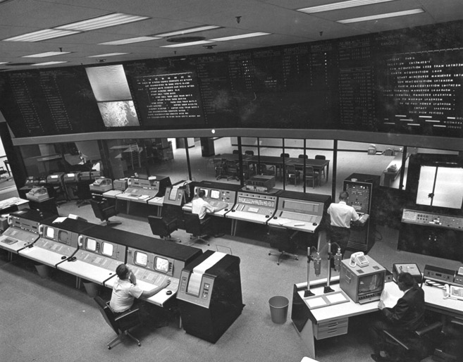 Space History Photo: JPL's Space Flight Operations Facility