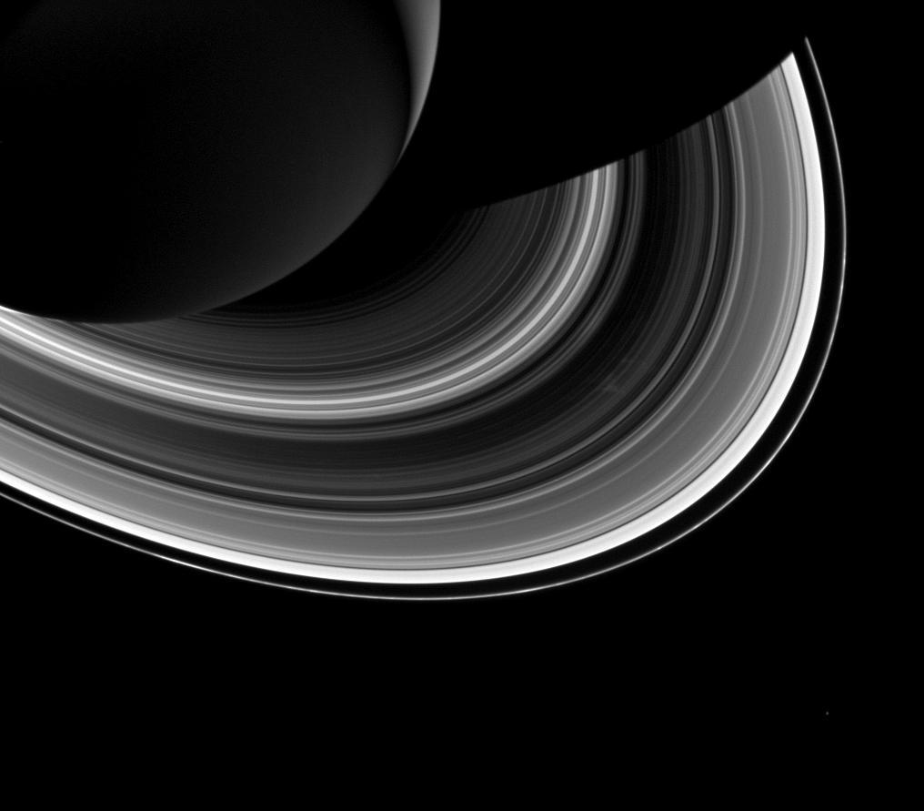 Saturn Rings, Moon Shine in Dazzling New NASA Photo