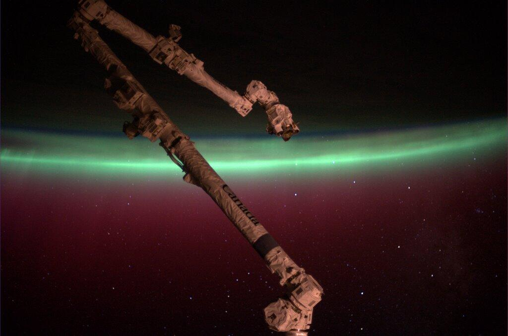 Mike Hopkins: Southern Lights Seen from ISS
