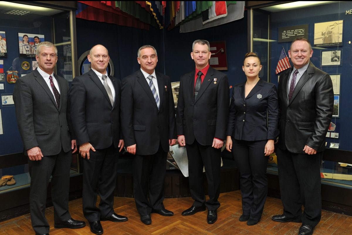 Expedition 39/40 Prime and Backup Crews at Gagarin Museum
