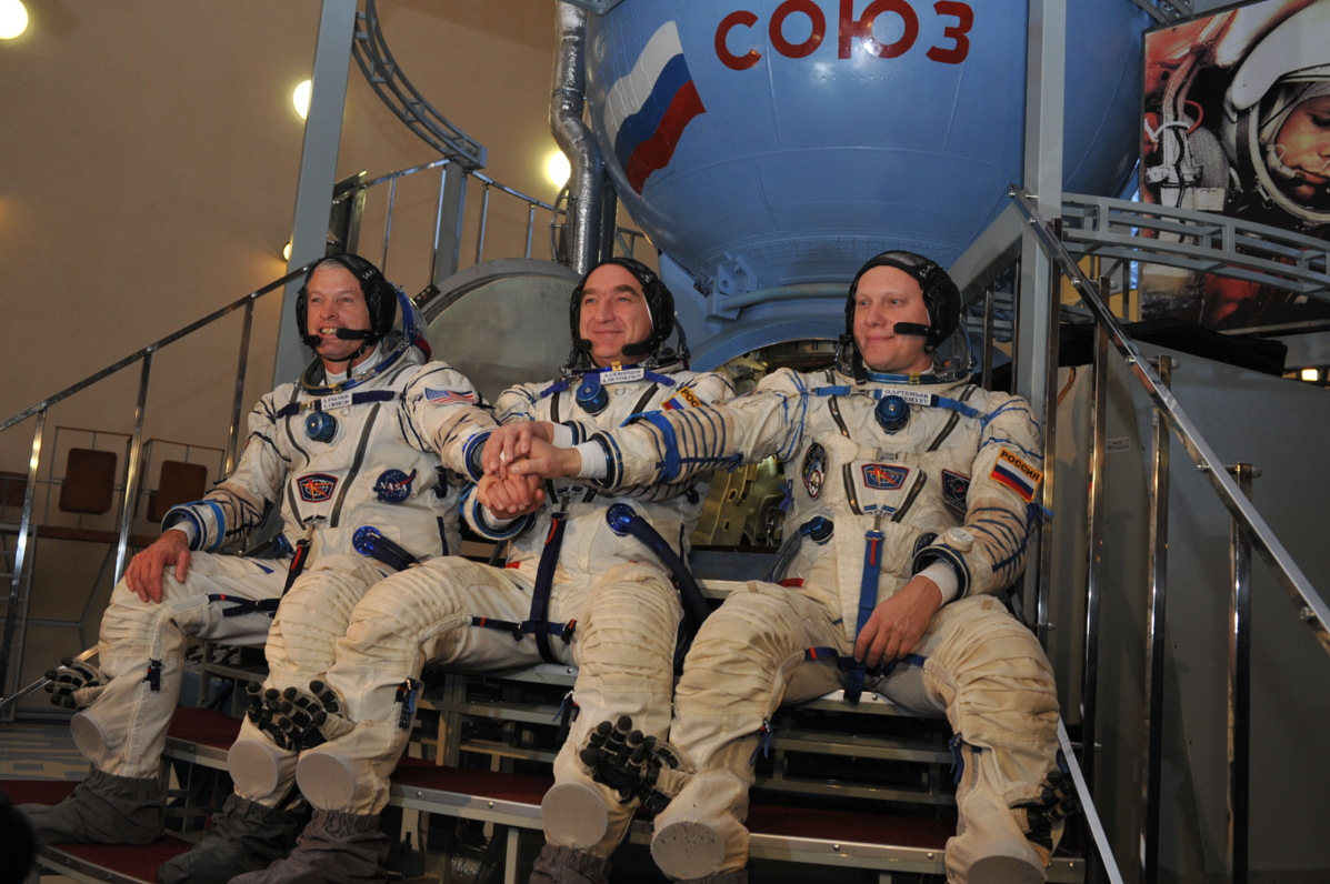 Expedition 39/40 Crew Ready for Qualification Exams