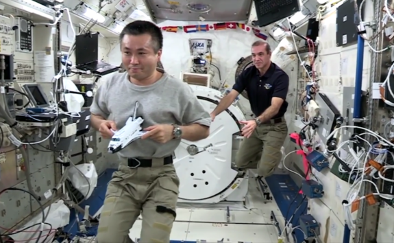 NASA astronaut Rick Mastracchio shows how Newton's third law of motion works in microgravity.