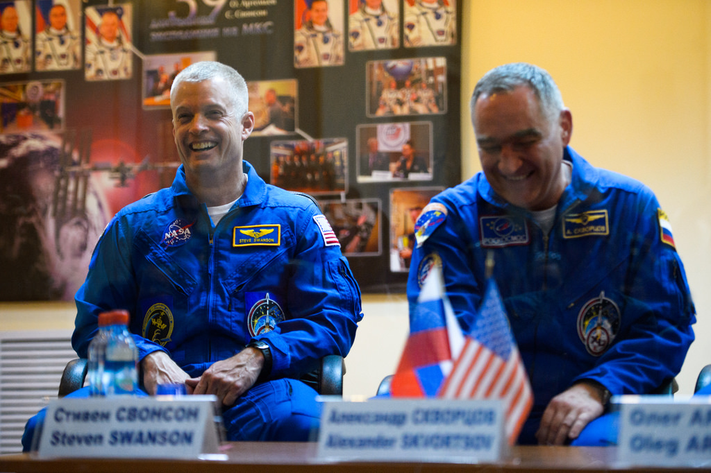 Swanson and Skvortsov of Expedition 39