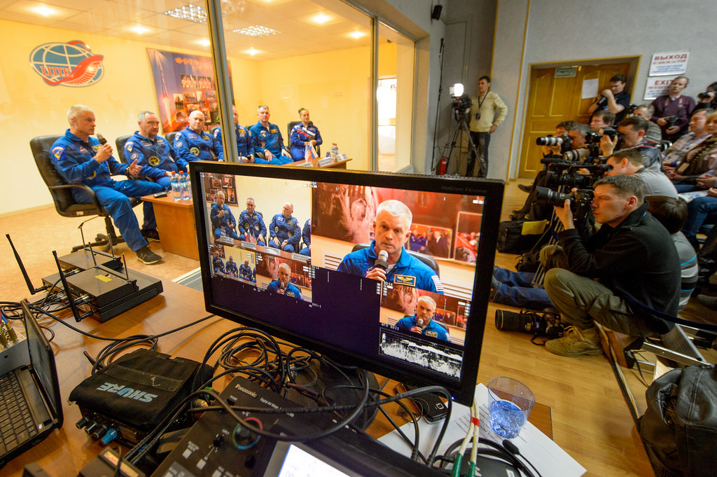 Expedition 39 Press Conference with Press Corps