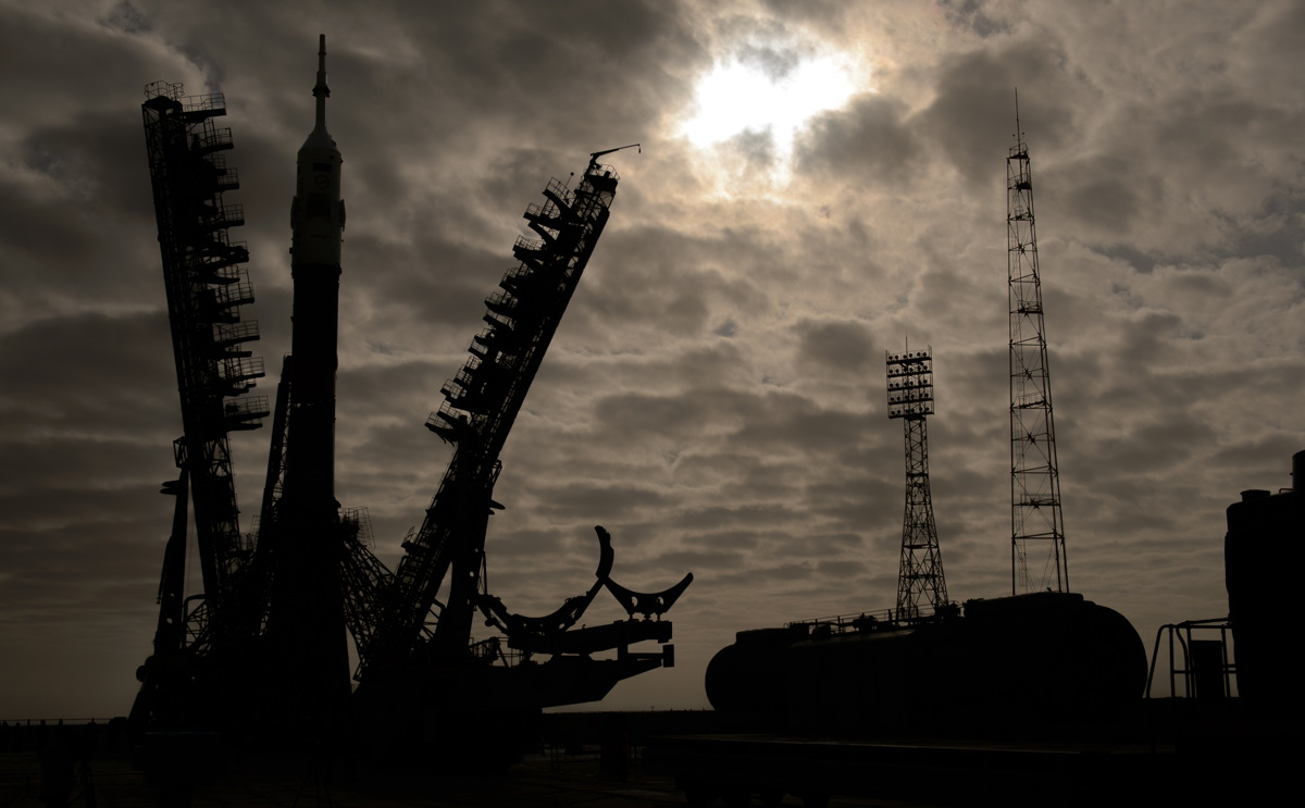 Expedition 39 Soyuz Rollout