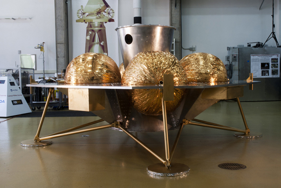 Side view of the Astrobotic Griffin lander.