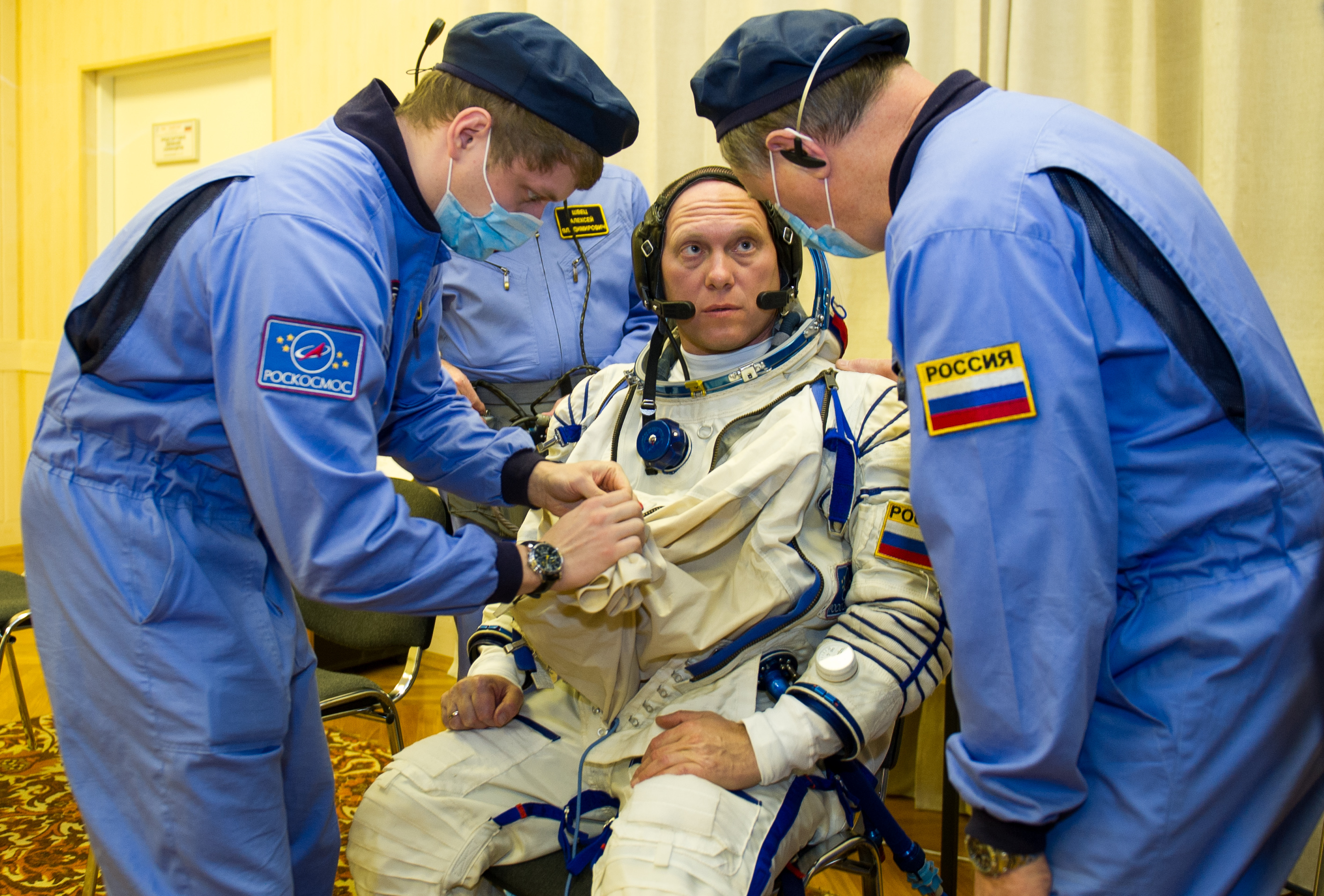Expedition 39 Preflight: Sokol Suit Prep