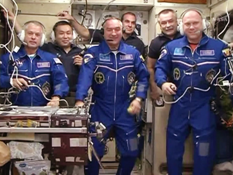 Astronaut, 2 Cosmonauts Arrive at Space Station After 2-Day Delay