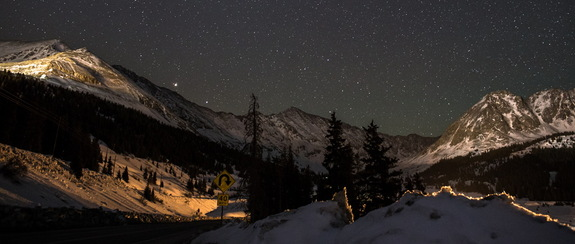 Astrophotographer Daniel McVey sent a photo taken at Fremont Pass in Colorado which includes Mars, Spica, and bright constellation Corvus. Image submitted March 26, 2014.
