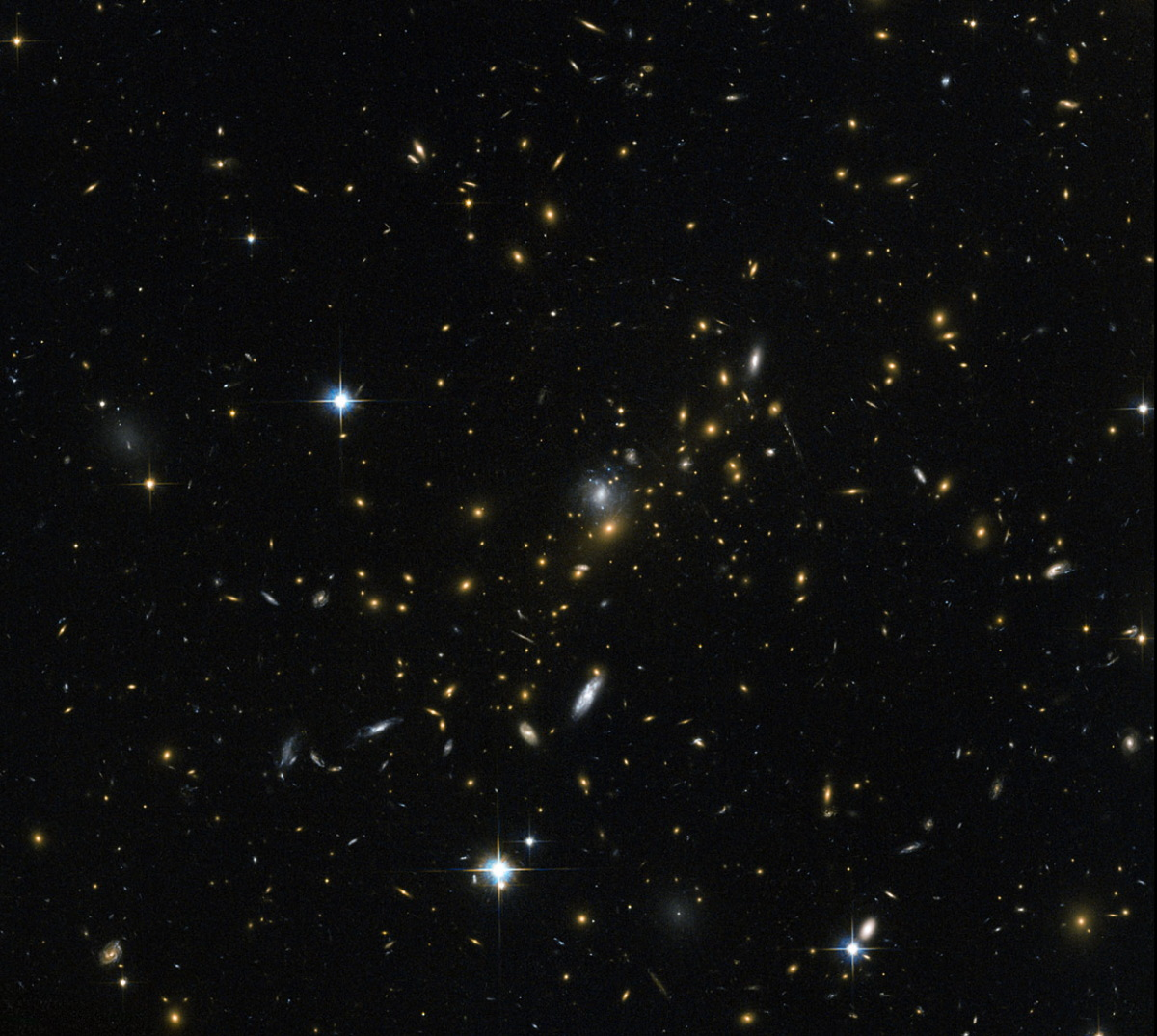 Galaxy Cluster Doubles as Cosmic Magnifying Glass for Hubble Telescope