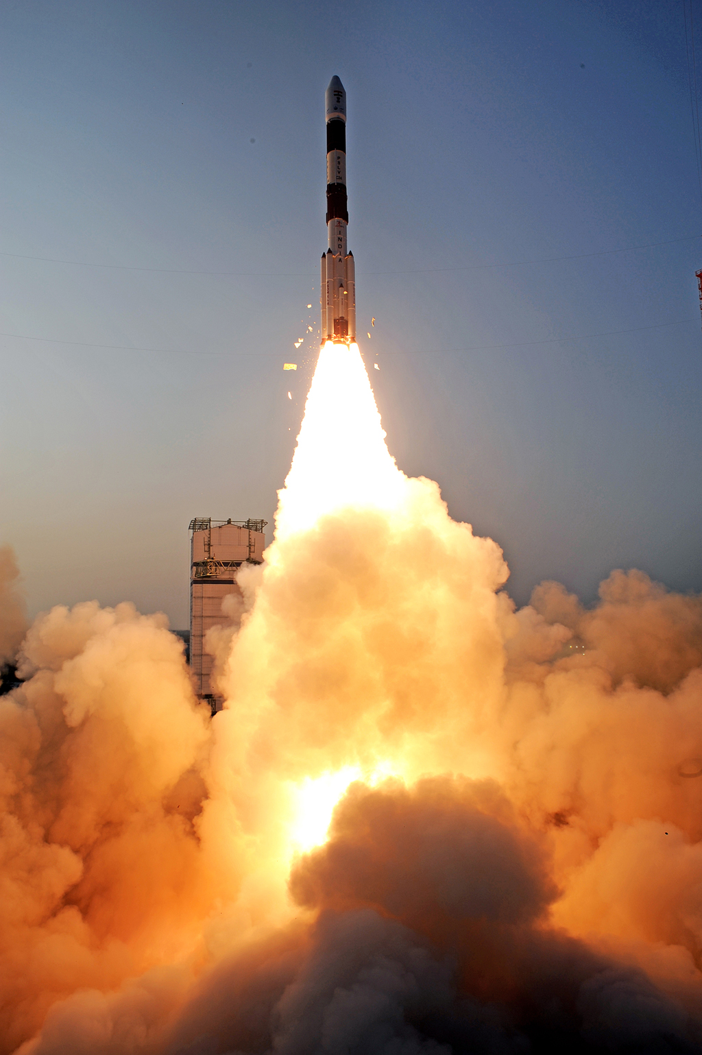 India's 2nd Navigation Satellite Streaks Into Space (Gallery)