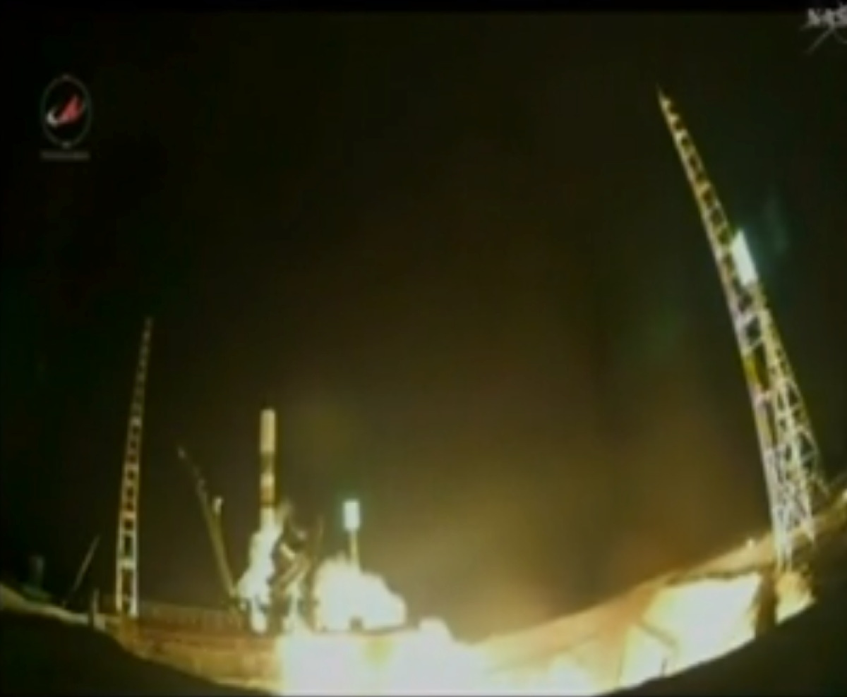 Soyuz Launches Progress Cargo Vehicle April 9, 2014.