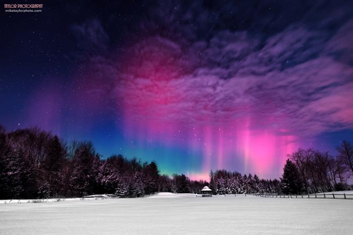 Aurora at Moonlight