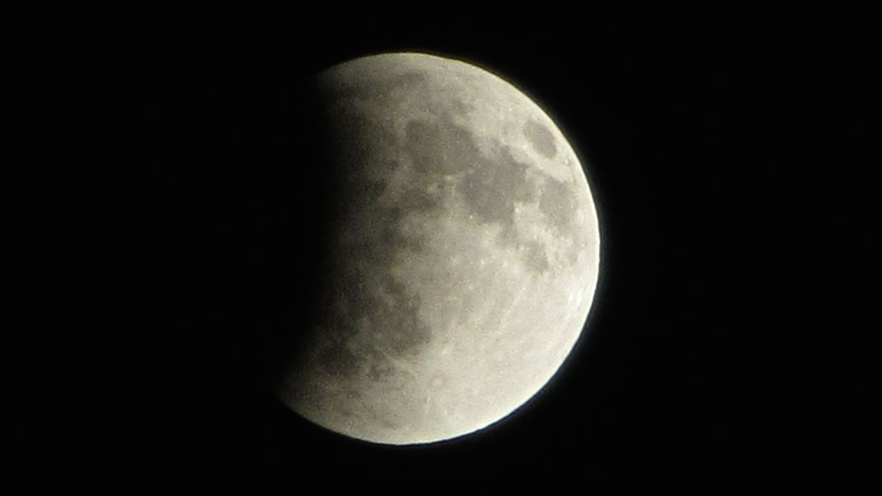 Total Lunar Eclipse of April 15, 2014: Ken Hoke