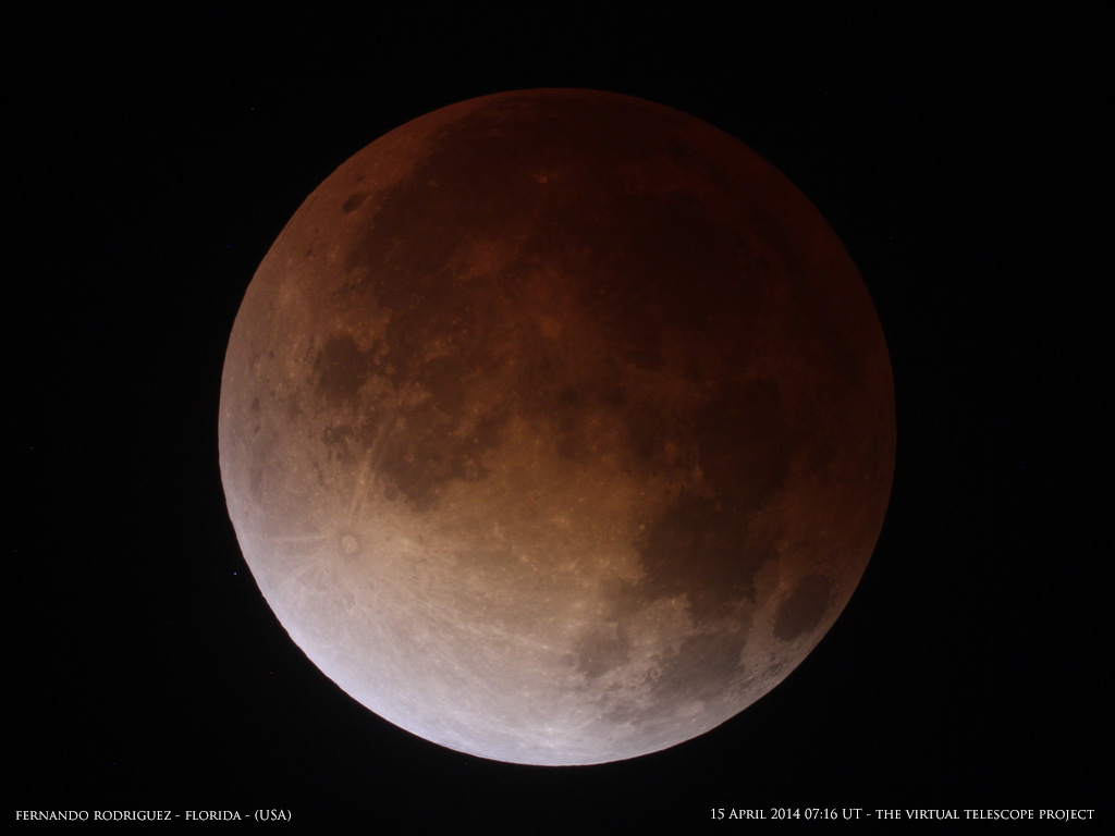 Blood Moon: Total Lunar Eclipse of 2014 by Fernando Rodriguez
