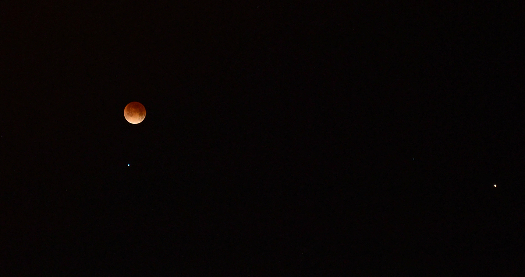 Total Lunar Eclipse, Mars and Spica: April 15, 2014