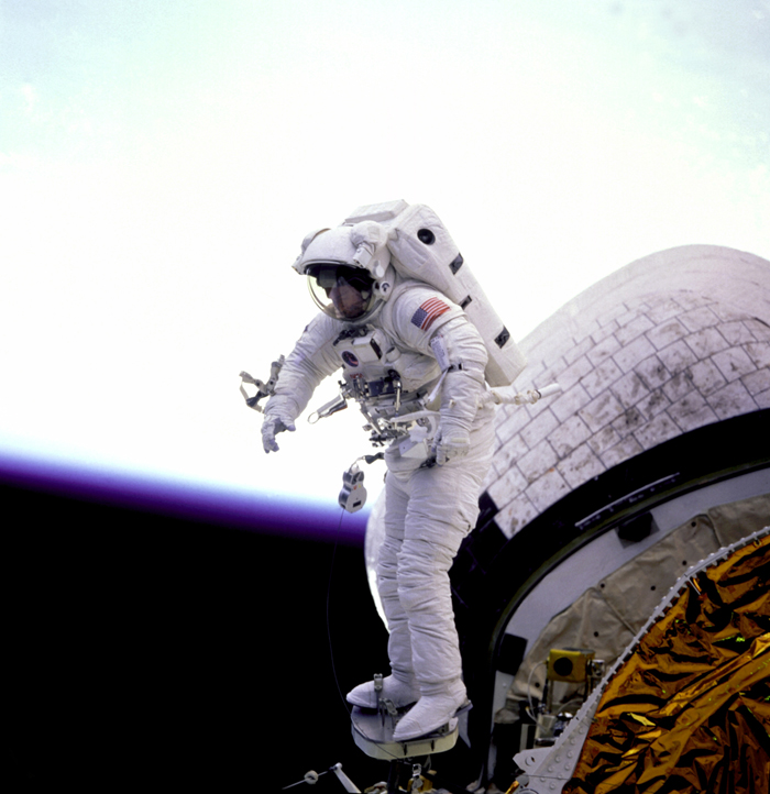 Space History Photo: Standing on the Edge of the Bay