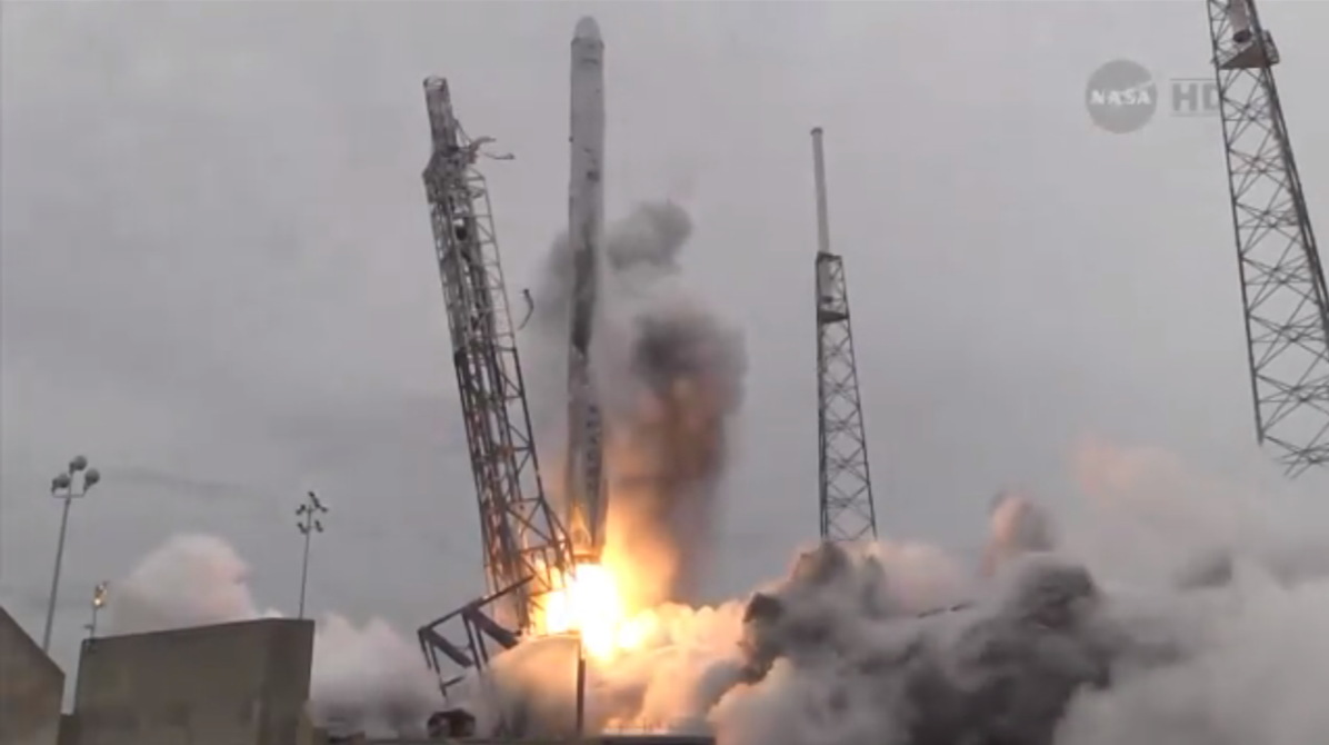 SpaceX's Third Dragon Capsule Launch, Low Angle