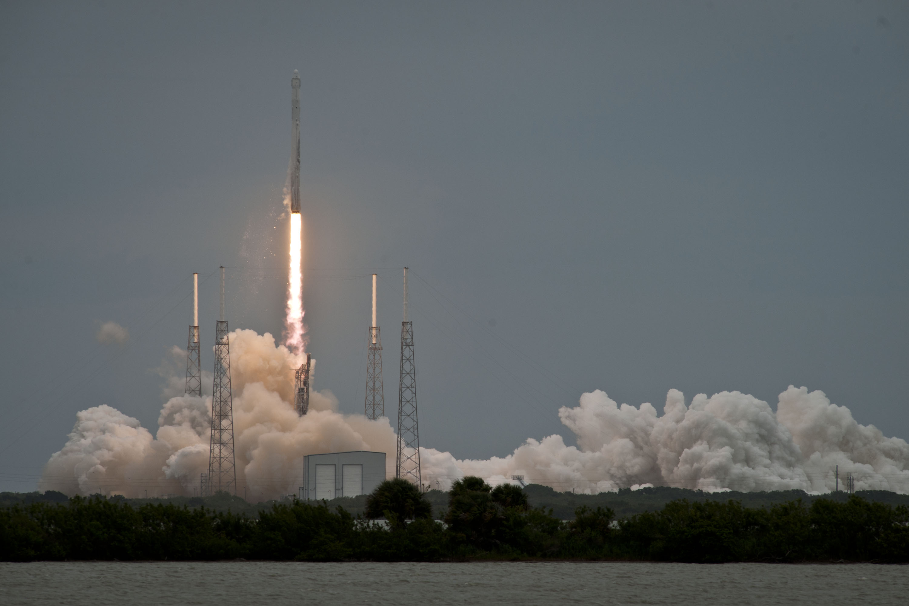 SpaceX Launches Third Dragon Delivery Mission