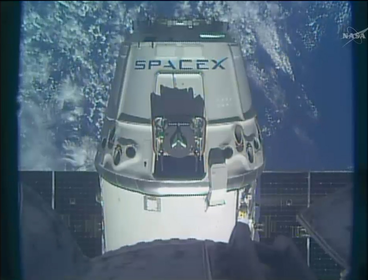 SpaceX Dragon Spacecraft Nears Station: CRS-3
