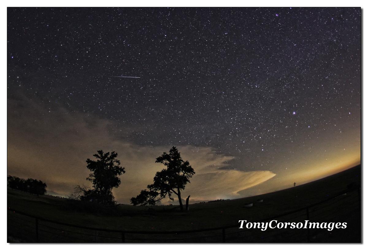 2014 Lyrid Meteor Over Texas