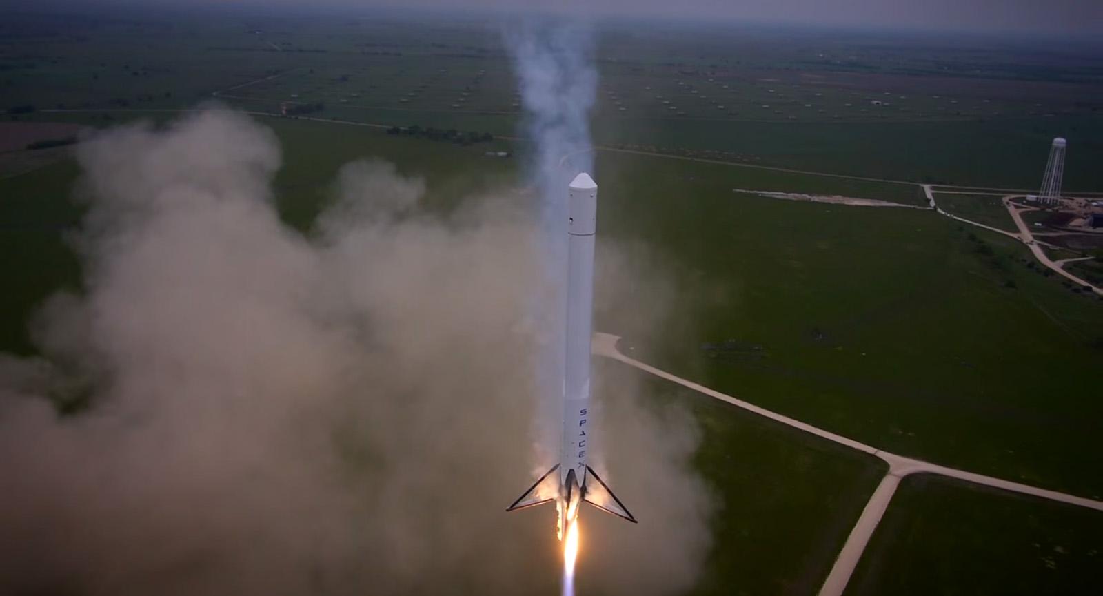 SpaceX Falcon 9 Reusable Rocket Descent