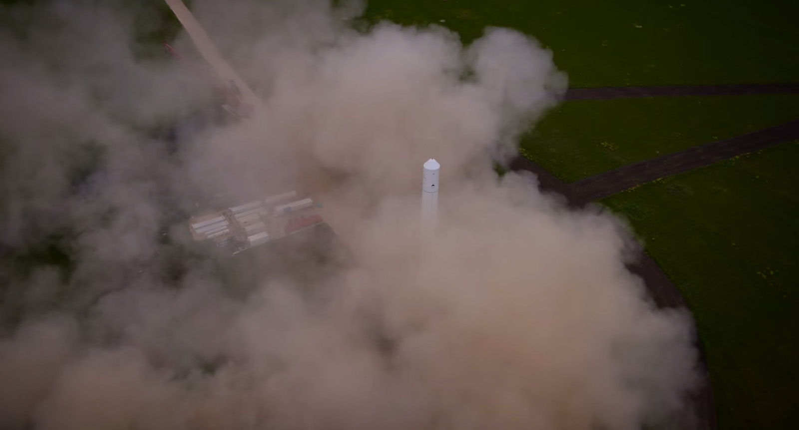 SpaceX F9R Rocket and Dust