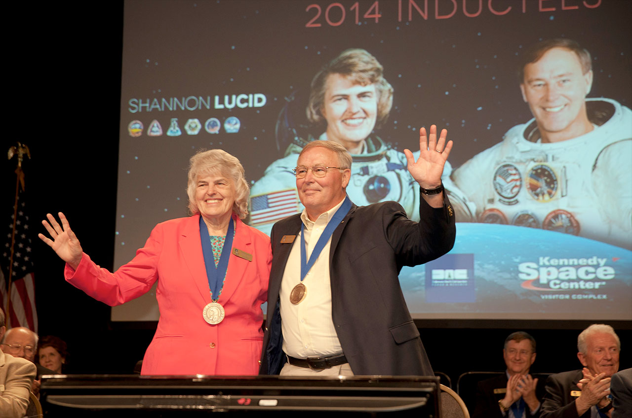 Astronaut Hall of Fame Inducts Two Record-Setting Space Shuttle Fliers
