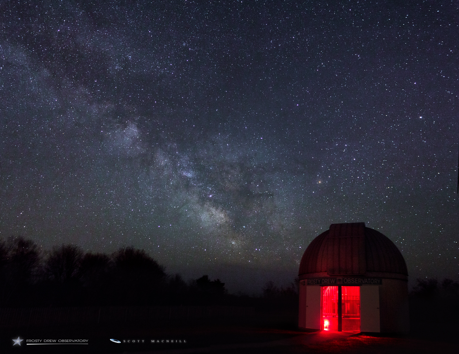 Milky Way Galaxy Plus Saturn Equals Magical Night for Stargazer (Photos)