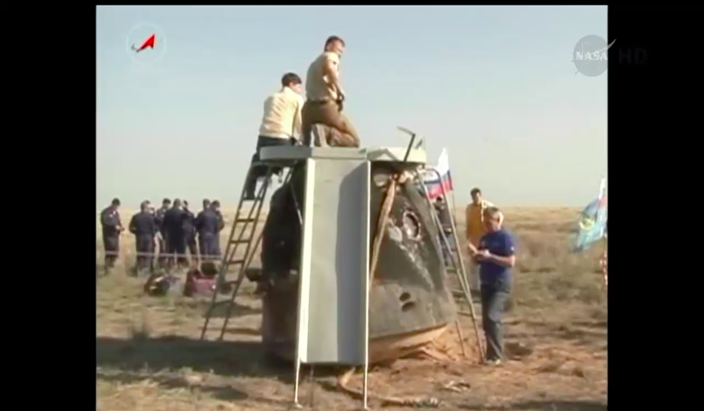 Soyuz Processed After Landing, May 13, 2014