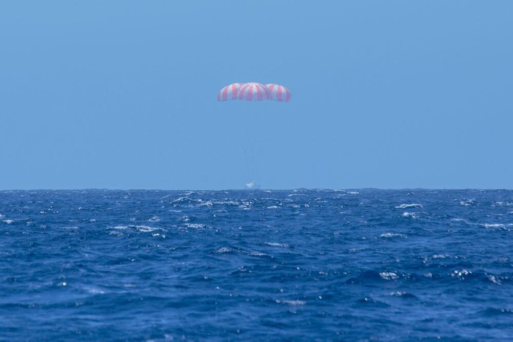 Water Leaked Inside SpaceX Dragon Capsule After Splashdown, No Damage Found: NASA Official