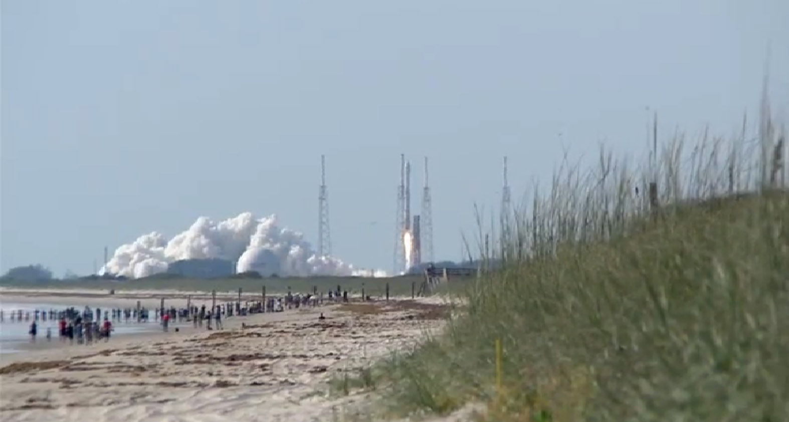 Atlas 5 Rocket Launch from the Beach: NROL-33